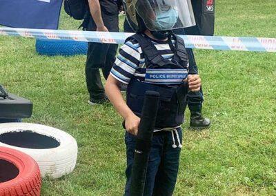 Un jeune participant en tenue prêt à entammer son parcours !